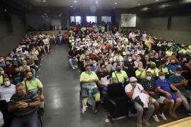 Rubbish Collectors & Street Cleaners at meeting.